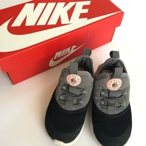Nike- Toddler Huarache Drift (TDE)
